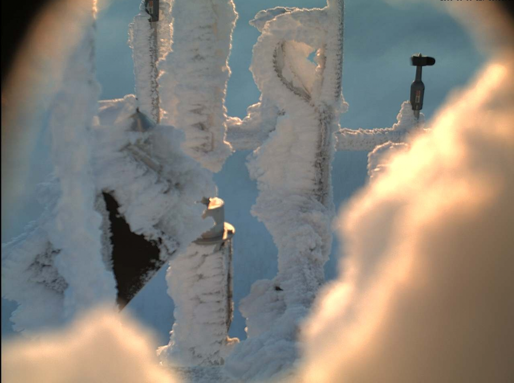 Example of ice accumulation on a wind measurement mast